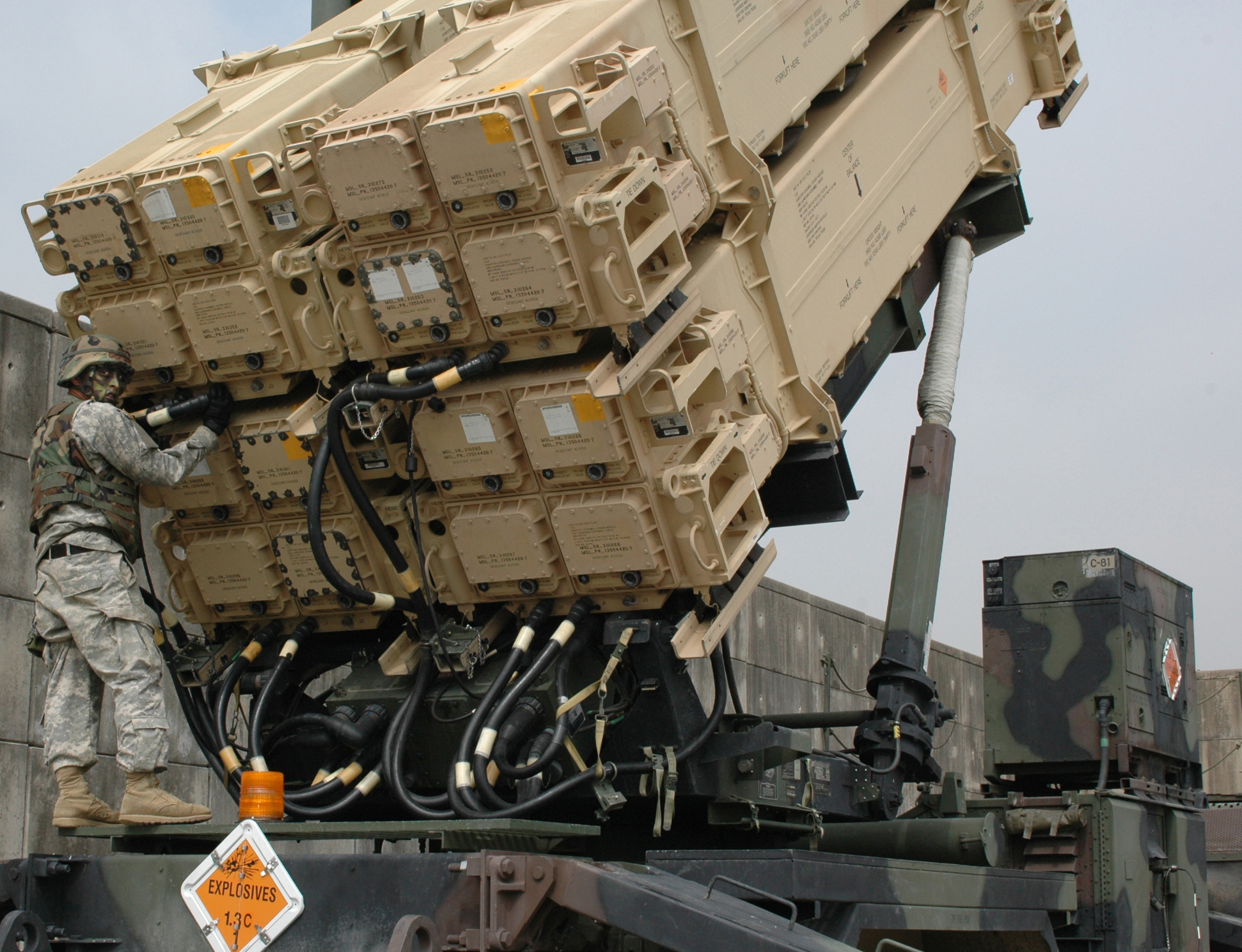 S 300 missile systems vs patriot - Raytheon Claims 100 Success Rate For Patriot Missiles In Saudi Service Whitefleet Net